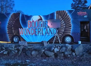 Boogie Wonderland 2019 selger buss med. 25+1 sitteplasser