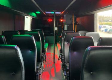 Buss med 26 plasser til leie!