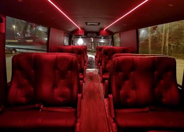 Nydelig 15m limousinebuss leies ut til russetiden inkludert alt dere trenger!