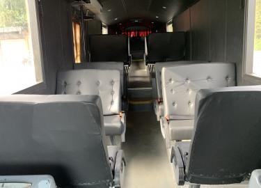15m russebuss med 24+1 selges til russ 2022 - 2023