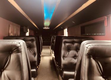 15m buss med 27+1 og stor lounge